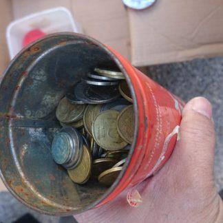 למכירה הרבה מטבעות ישראלים וגם כמה מטבעות זרים