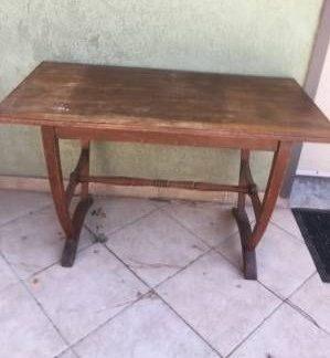 שולחן עתיק ומיוחד