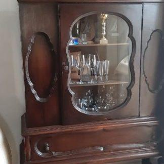 רהיטים בני 100 שנים ויותר